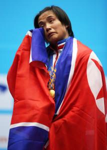Campeona mundial de pesas da positivo en prueba de dopaje