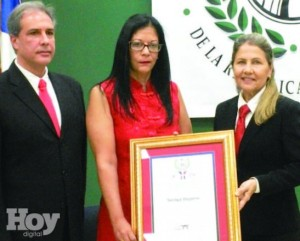 Soraya Holguín Dujarric logra cinturón negro a nivel mundial