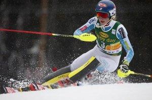 Mikaela Shiffrin vuelve a triunfar en prueba de esquí mundial