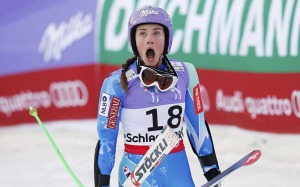 Tina Maze gana el descenso y Vonn se queda sin medalla