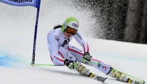 Anna Fenniger se llevó la última prueba de la temporada de esquí