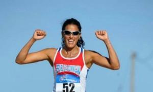 Mariluz Viñas, la súper atleta que atleta ayuda a niños con cáncer