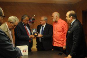Presidente FIVB pondera papel Centro Regional de Desarrollo