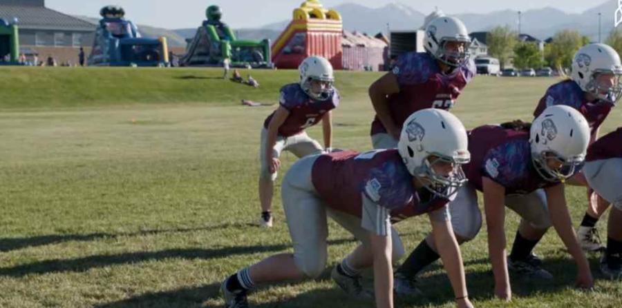 Una niña sueña con convertir el fútbol americano en deporte profesional