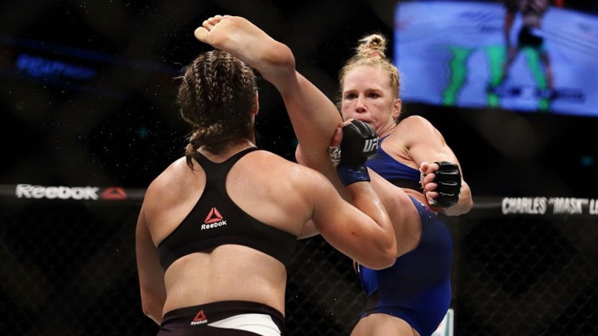 Holly Holm demolió a Bethe Correia con potente patada sobre el rostro