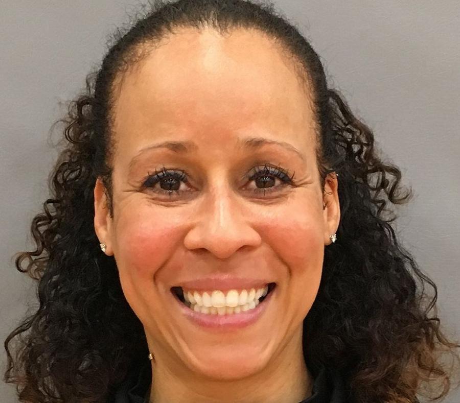 Collette Smith hace su debut como primera entrenadora de los Jets