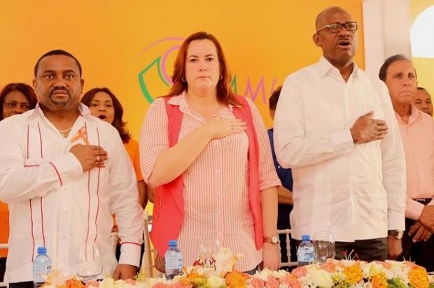 """Ministerio de la Mujer lanza campaña """"Esto tiene que cambiar, sé parte de la solución"""""""