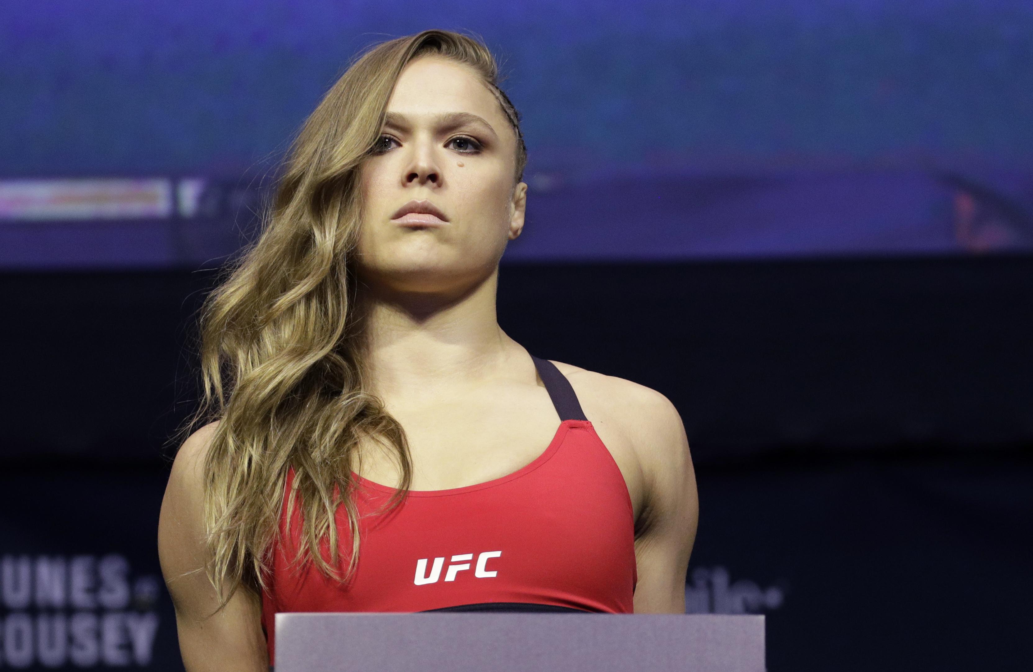 Campeona de la UFC, Ronda Rousey, revela que sufrió un asalto en su casa