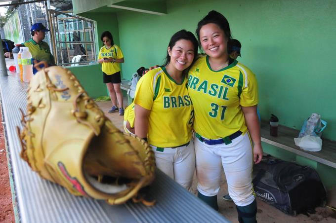 El softbol brasileño descansa en colonia japonesa