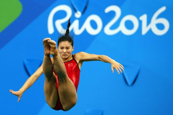 La china He Zi, excampeona olímpica de clavados, se retira a los 26 años