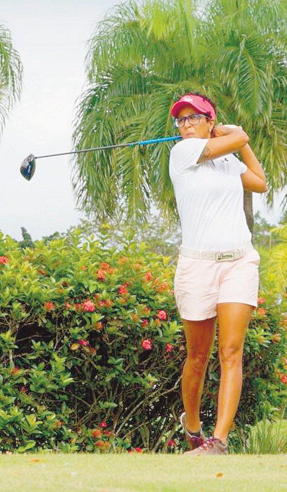 Karina Sánchez hace camino al andar en golf dominicano