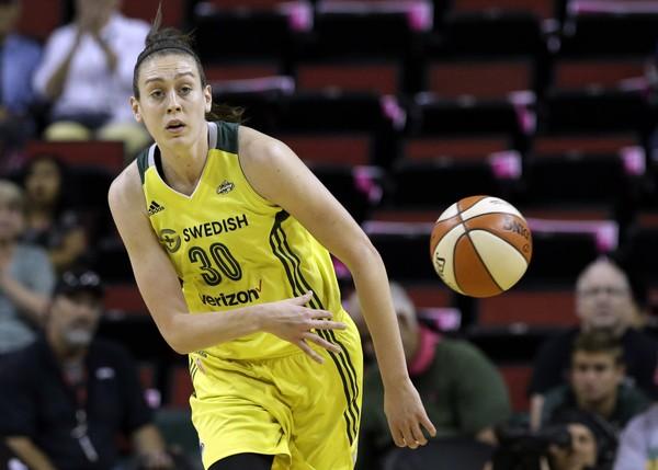 La promesa de la WNBA Breanna Stewart confiesa que sufrió abusos sexuales
