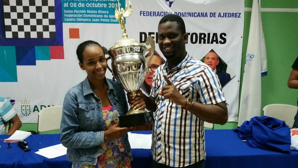 Katerine Coronado es la nueva monarca nacional juvenil de ajedrez