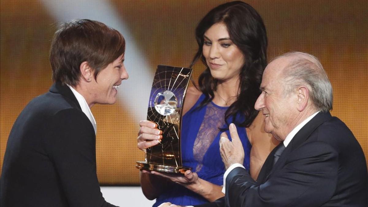 Blatter rechazó haber acosado sexualmente a Hope Solo