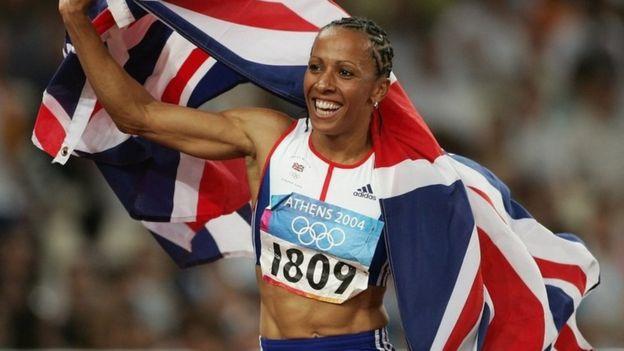 La desgarradora historia de la doble campeona olímpica británica Kelly Holmes