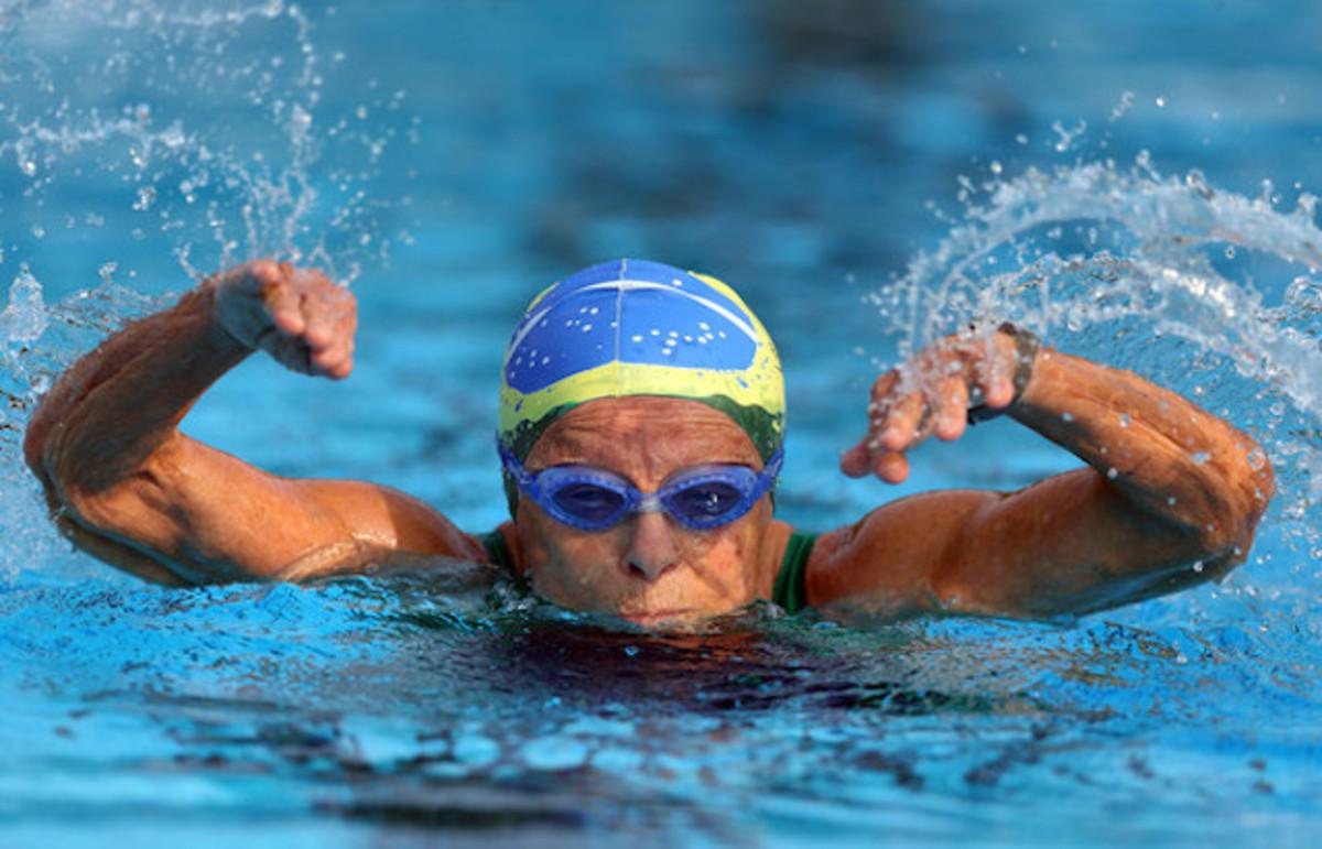 Nora Rónai, la nadadora brasileña que a los 93 años bate récords mundiales