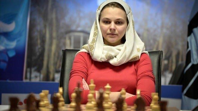 La monarca del ajedrez que prefiere perder sus títulos por no jugar en Arabia Saudí