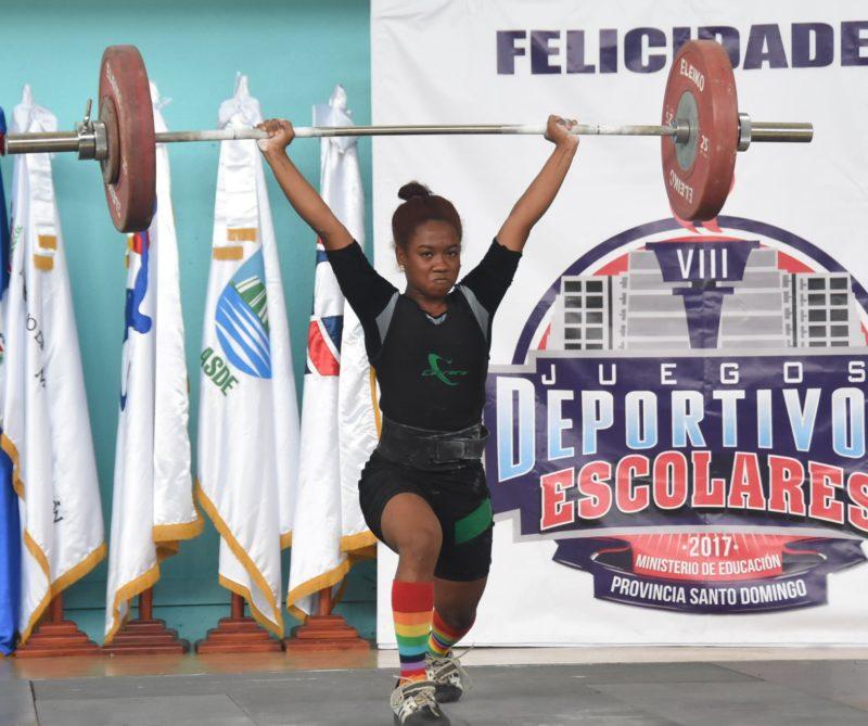 Dahiana Ortiz trilla el camino éxito en pesas