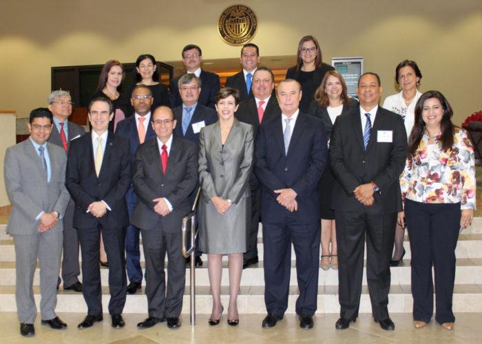 Superintendente de Bancos participa en reunión Consejo Regional