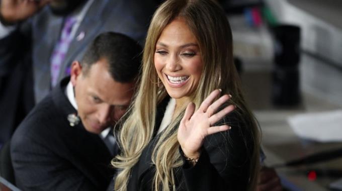 J.Lo apoya a su novio Alex Rodríguez para dirigir a los Yankees