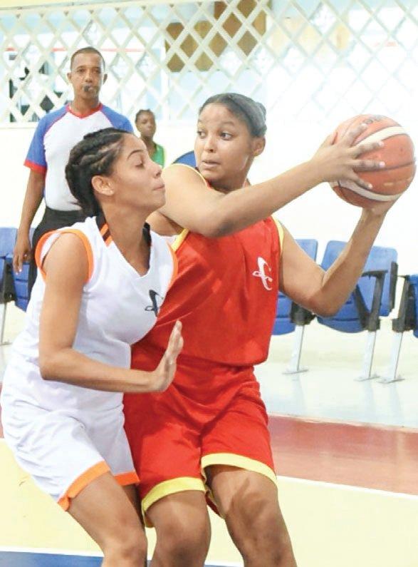 El liceo Fabio A. Mota gana el oro en baloncesto femenino