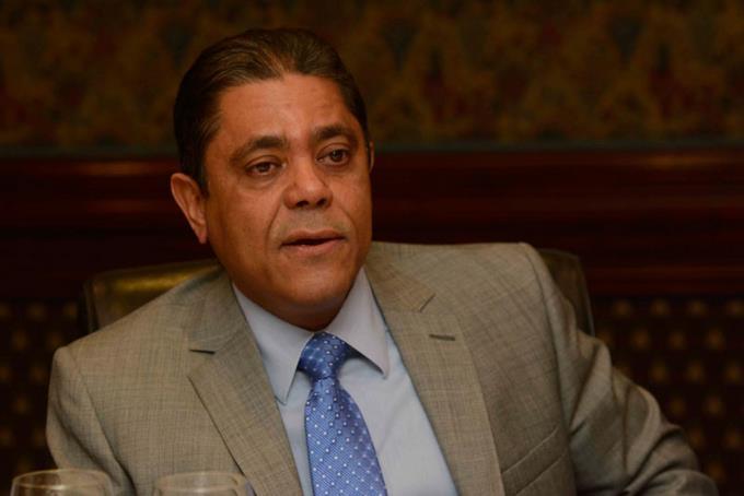 Prohiben paso a diplomáticos, legisladores y militares por salón de embajadores