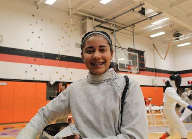 Joven dominicana competirá en la estatal de esgrima de New Jersey