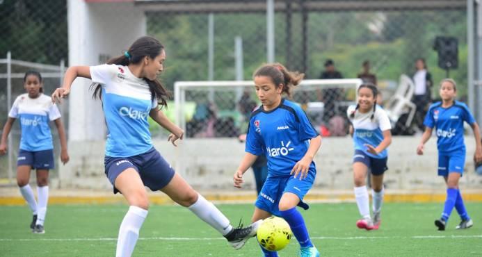 Oasis Christian y ANIJA ganan en inicio de etapa cibaeña Futsal Femenino