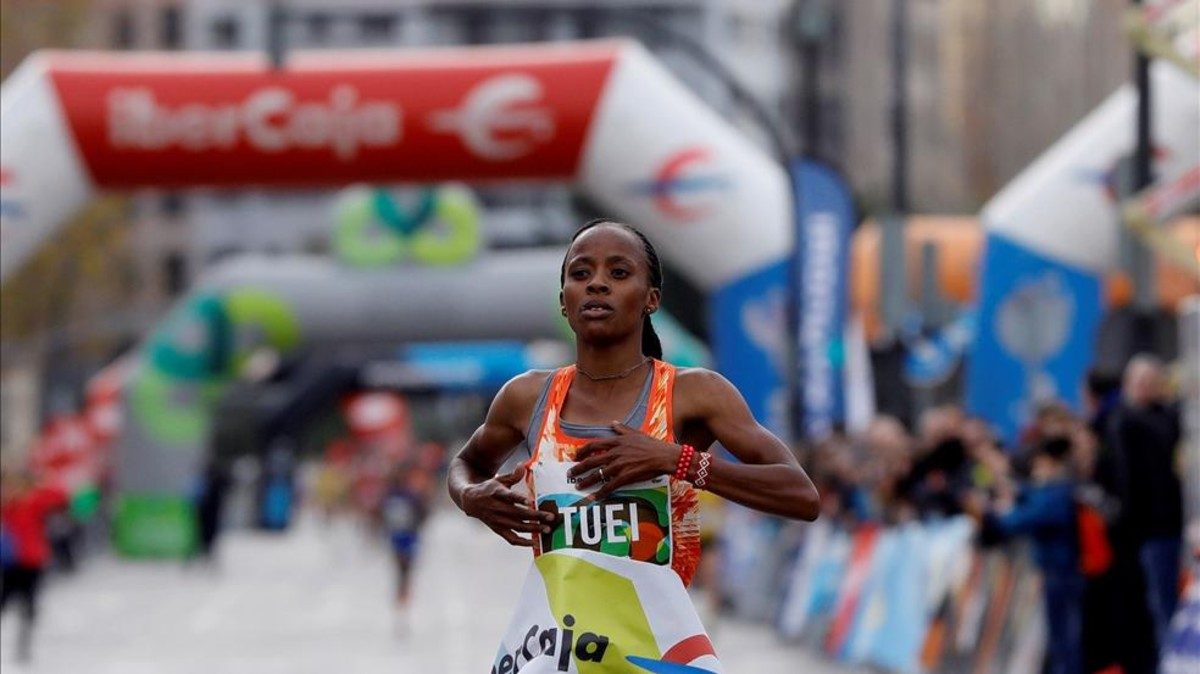 Sandra Chebet bate el récord de 10 km en Valencia