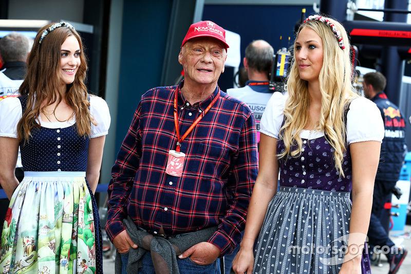 Niki Lauda considera que quitar a las chicas de la F1 es una decisión contra las mujeres