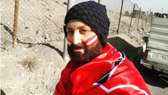 Mujer iraní se hace pasar por hombre para asistir a un partido de futbol