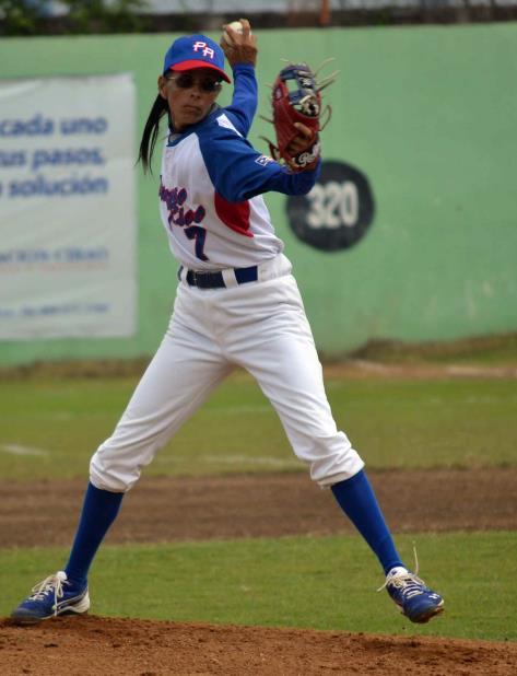 María Zayas, entre el béisbol y la vida, su gran dilema