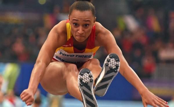 La saltadora Ana Peleteiro le da el crédito de su éxito a Iván Pedroso