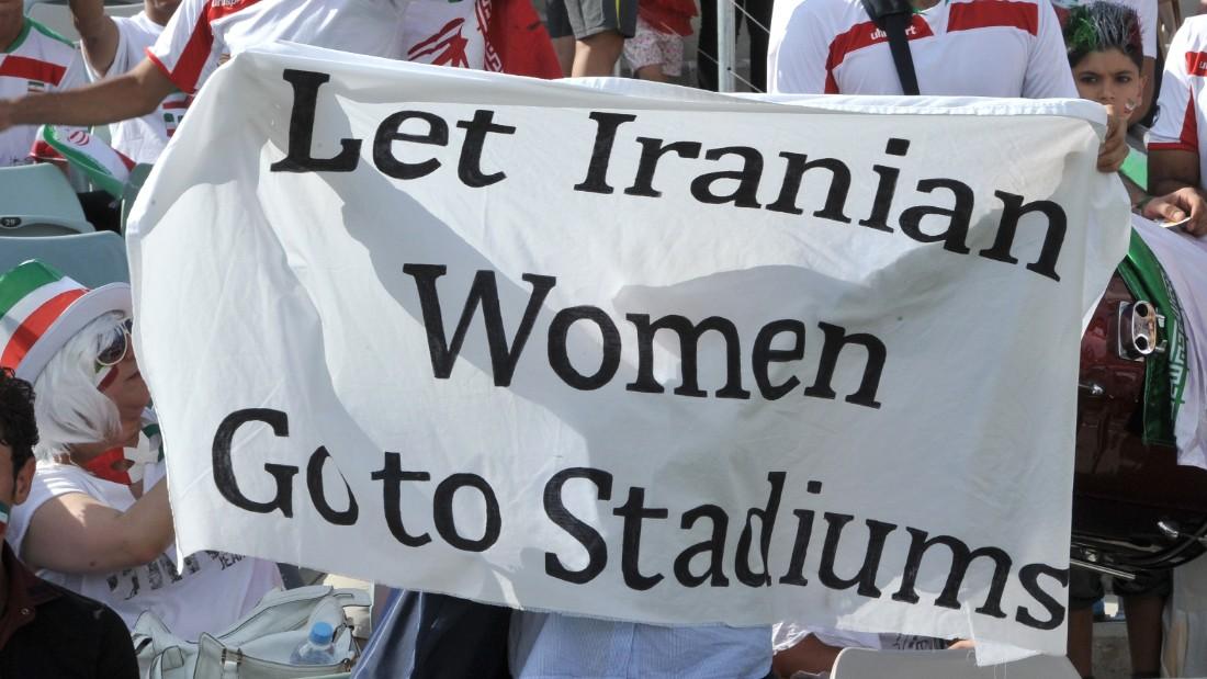 Irán dice que eventualmente permitirá mujeres en estadios