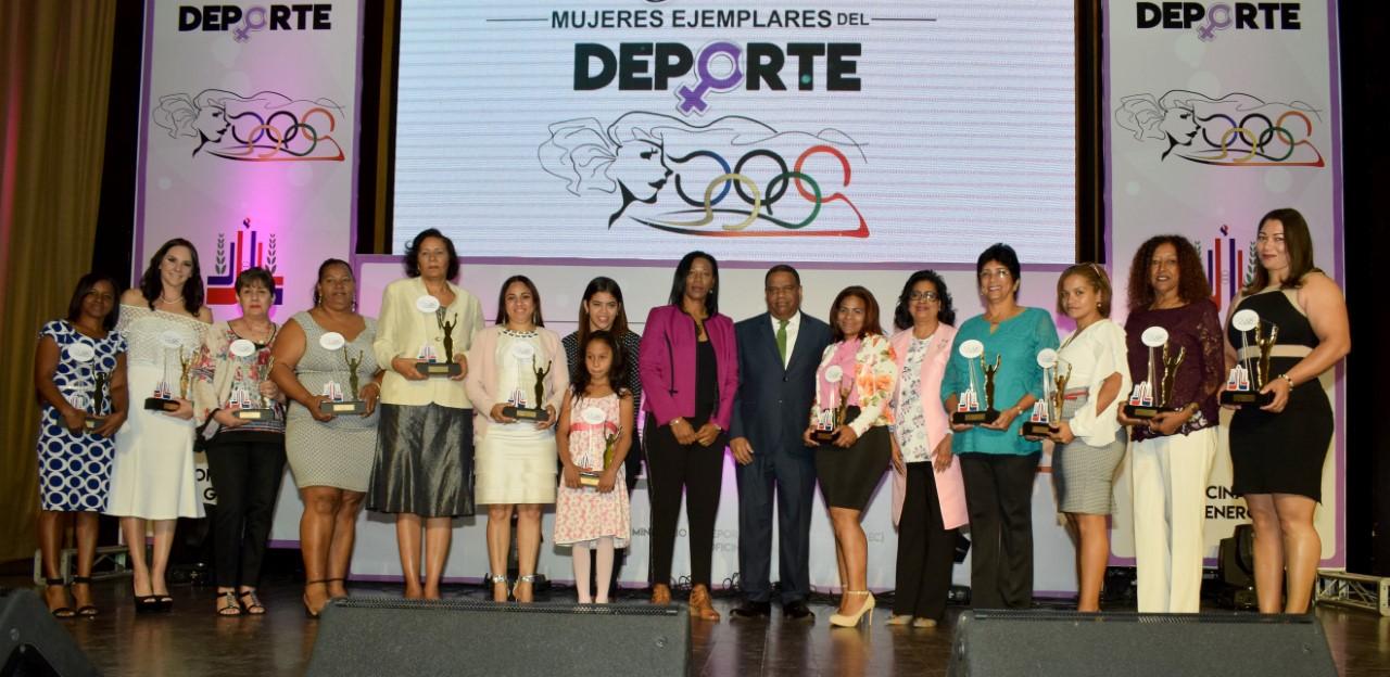 Ministerio de Deportes distingue a mujeres ejemplares en el deporte