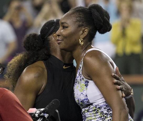 Venus derrota a su hermana Serena en Indian Wells