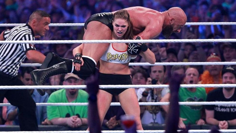Ronda Rousey logra impresionante debut en la WWE