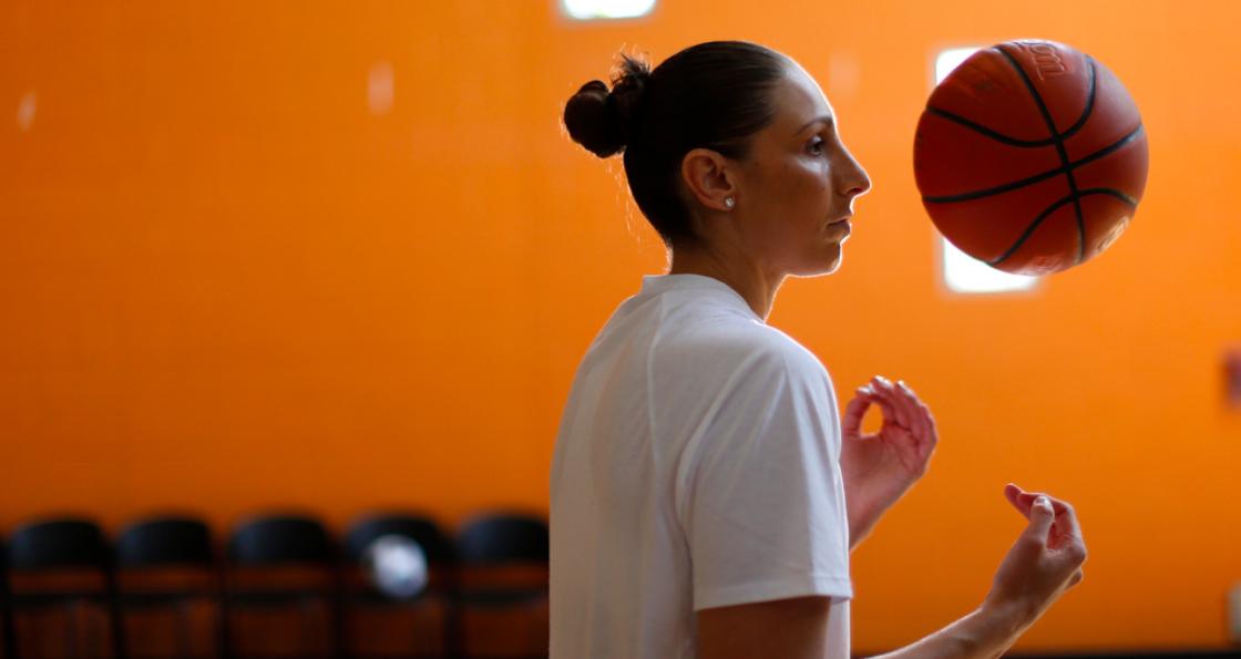 Diana Taurasi, primera jugadora de la WNBA en alcanzar los 1.000 triples