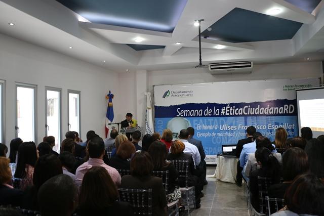 """Monseñor De la Rosa y Carpio dicta la conferencia: """"Valores éticos y morales en la Gestión Pública"""""""