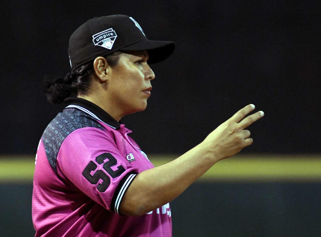 Luz Alicia Gordoa debuta como primera mujer ampáyer en juego oficial de la LMB