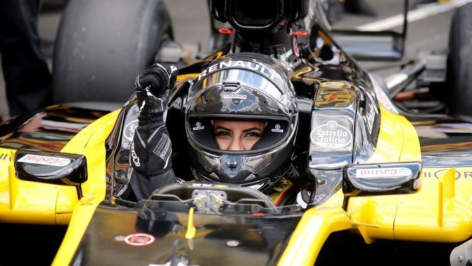 Aseel Al-Hamad es la primera mujer saudí en conducir un Fórmula 1
