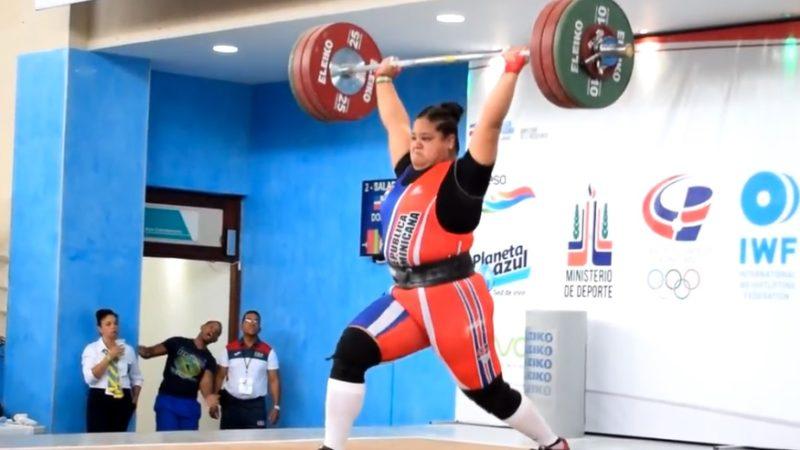 Verónica Saladín gana oro en arranque de 90kg y mexicana Mascorro en envión