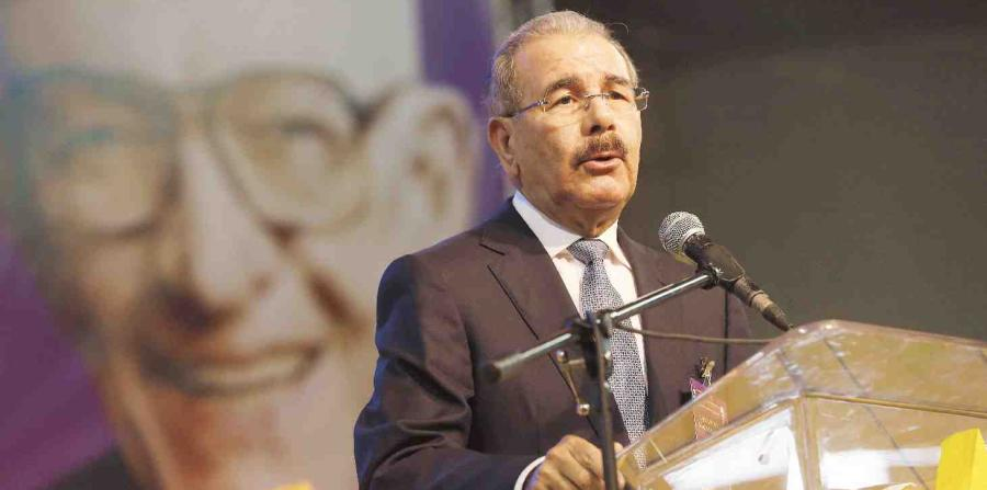 El presidente Danilo Medina felicita al equipo dominicano U23 de voleibol