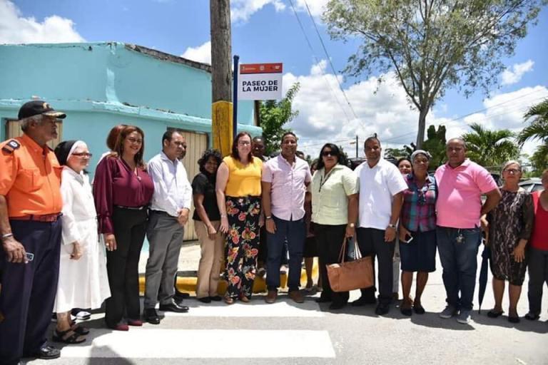 """Dejan inaugurada calle """"Paseo de la Mujer"""" en Hato Mayor"""