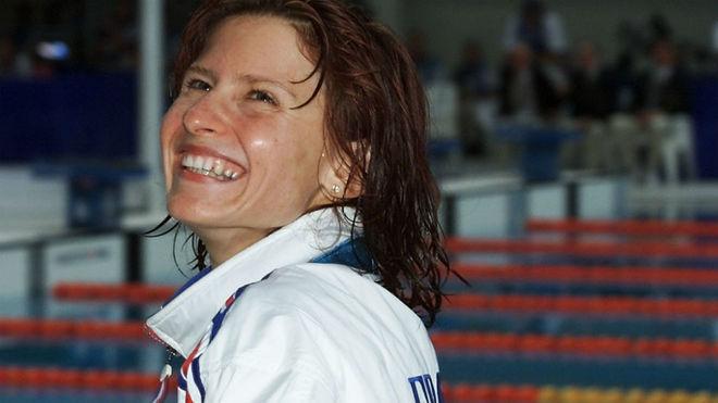 En Francia nombran ministra de deportes a la exnadadora Roxana Maracineanu