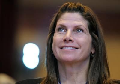 Renuncia presidenta de federación de gimnasia de EEUU