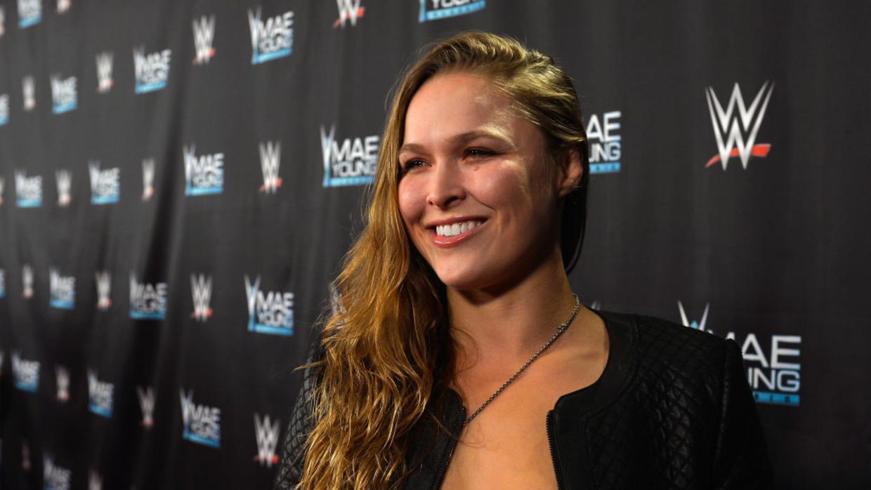 Ronda Rousey dominante en histórico evento de WWE