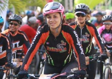 Ciclistas corren por no violencia género