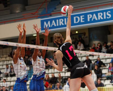 Cómo mantener los niveles de hierro en las jugadoras de élite de voleibol