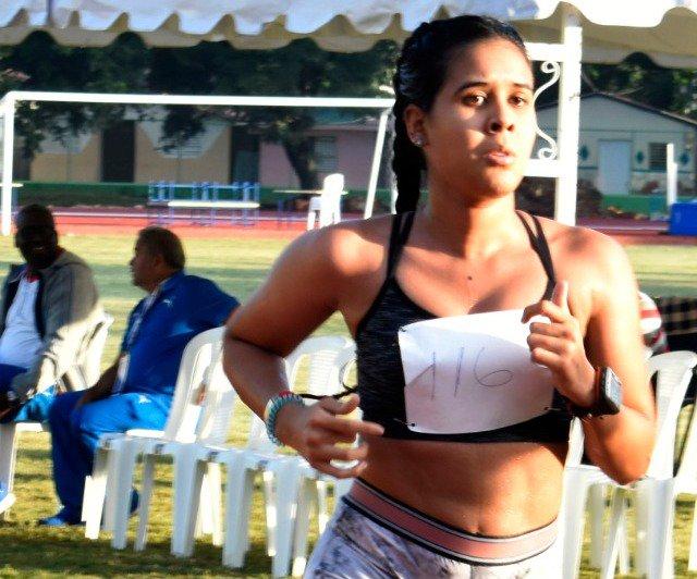 Ana de los Santos, de ser 'gordita' algo lenta al oro en 10 mil metros Juegos Nacionales
